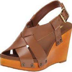 Volatile Comtemp Wedge sandals size 6